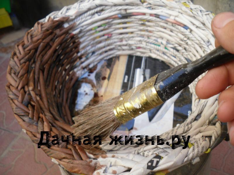 область, окраска газетных трубочек после плетения высоконогости показывает