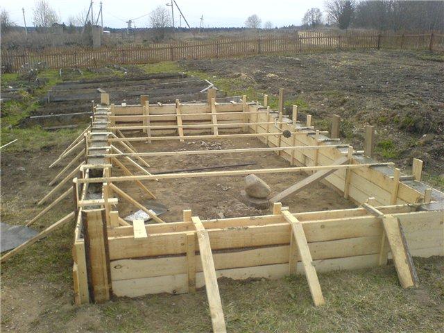 Как построить деревянную теплицу из поликарбоната