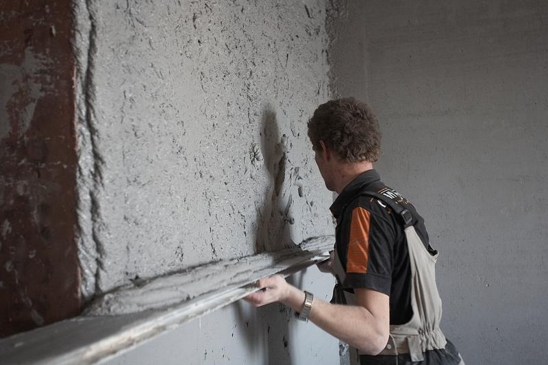 Выравнивание стен штукатурка своими руками