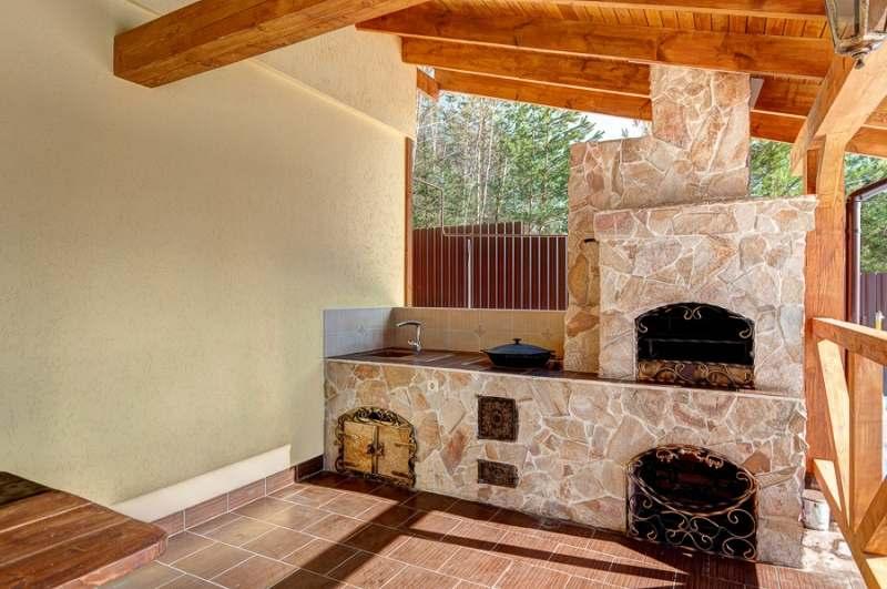 Проекты летней кухни на даче Веранда своими руками с мангалом или печкой