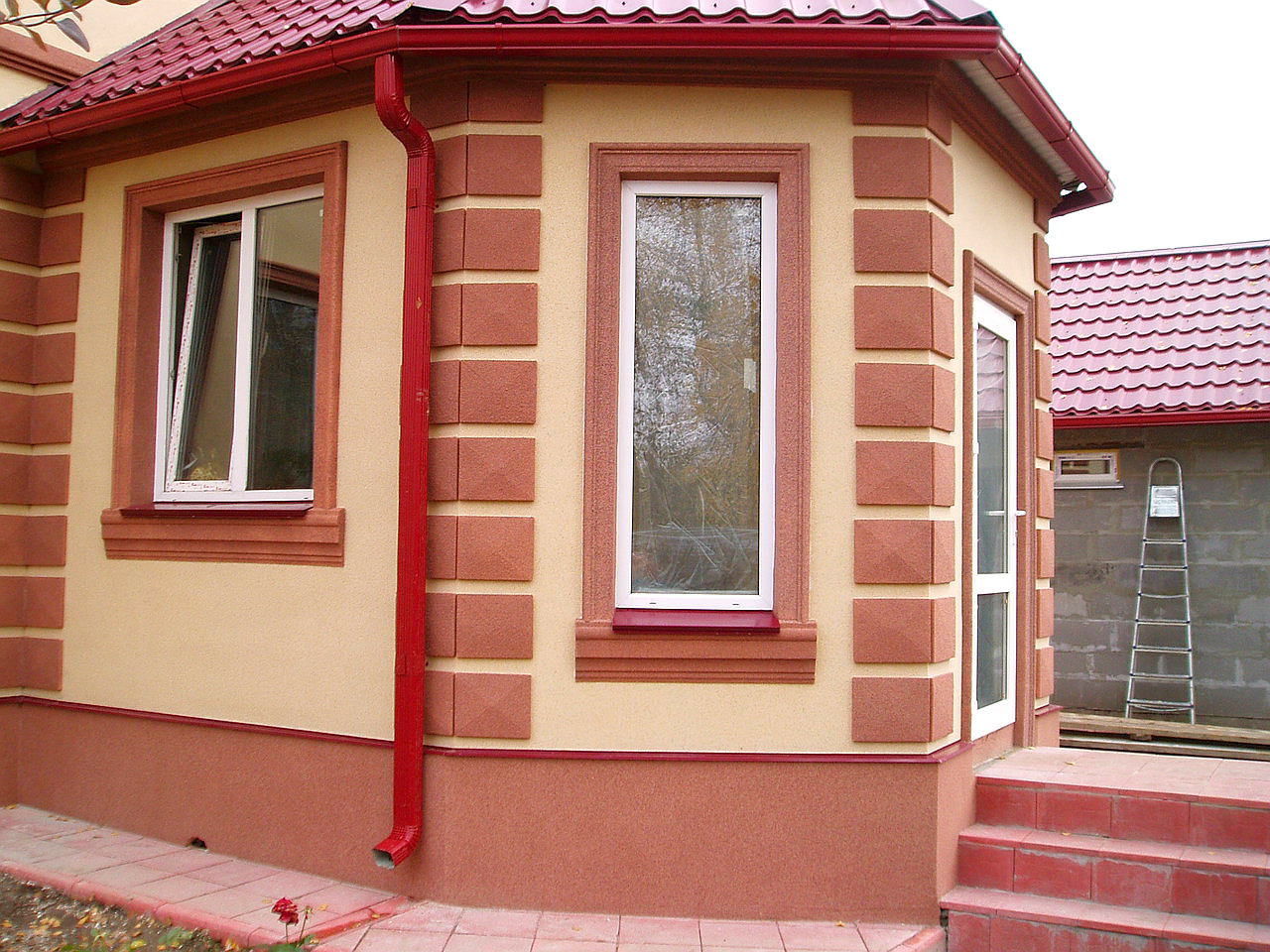 Отделка фасадов домов шубой