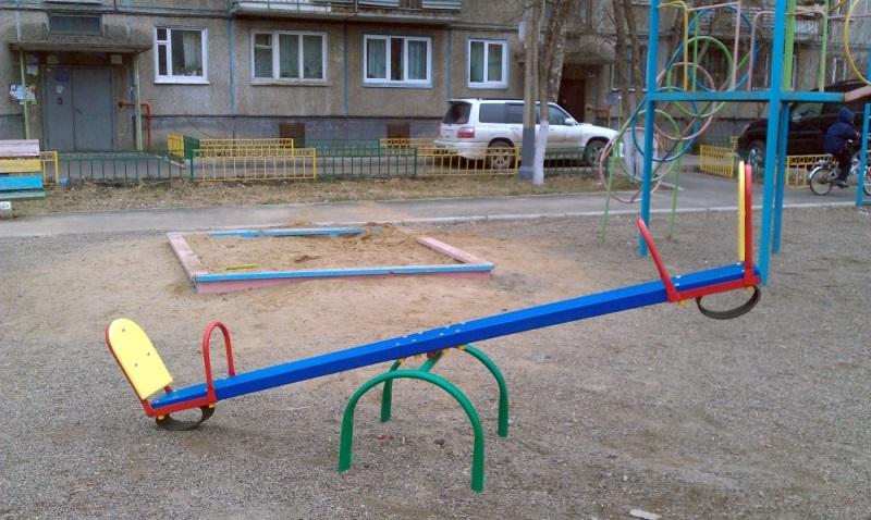 Качалка для детей для улицы своими руками 44