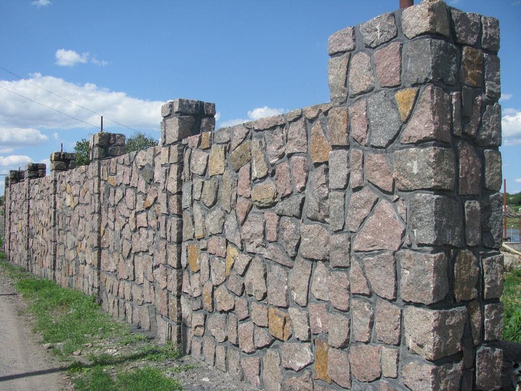 Стена из камня своими руками фото