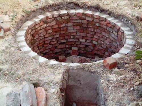 Как сделать сливную яму в частном доме своими руками