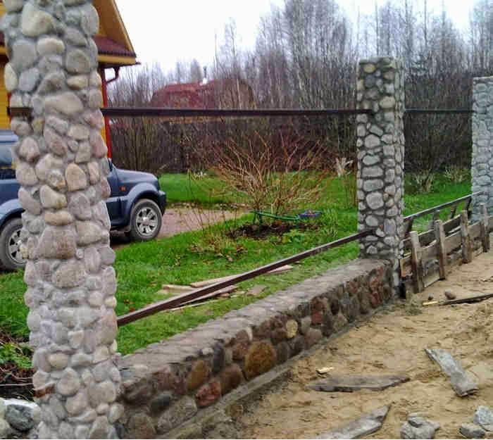 Забор из камней своими руками
